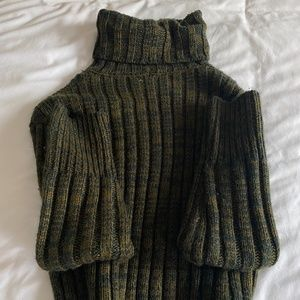 URBAN OUTFITTERS GREEN TURTLENECK SWEATER